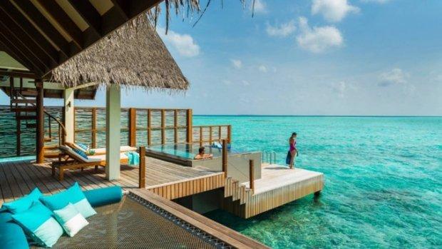 Danh sách 100 khách sạn tốt nhất thế giới 2018 do Travel and Leisure công bố dựa trên bình chọn của hàng trăm nghìn độc giả với các tiêu chí về phòng, tiện nghi, địa điểm, dịch vụ, thực phẩm, giá trị. Năm nay, 27 trong số 100 khách sạn hàng đầu trên thế giới nằm ở châu Á.