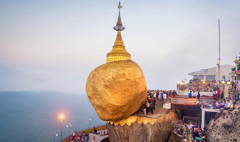 Hãy đặt tour du lịch Myanmar trọn gói tại một đơn vị du lịch uy tín để khỏi lo lắng về giá vé máy bay.