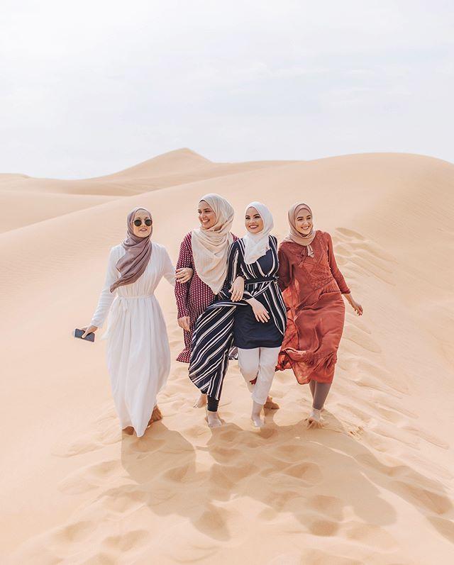 Không bắt tay với phụ nữ Hồi giáo.