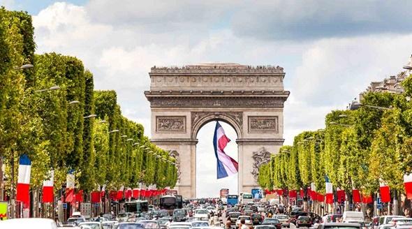 Những điểm check in không nên bỏ qua tại Paris - Khải Hoàn Môn