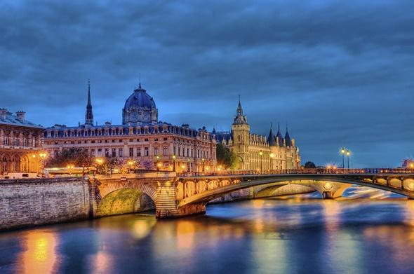 Những điểm check in không nên bỏ qua tại Paris - sông Seine