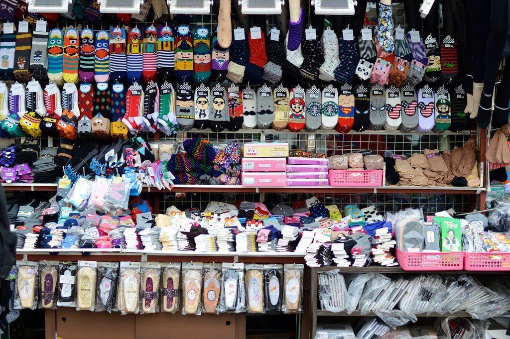 Du lịch Hàn Quốc nhất định phải ghé thăm chợ Dongdaemun nổi tiếng - ảnh 5