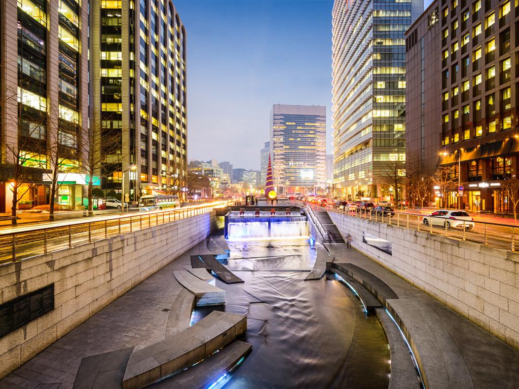 Suối Cheonggyecheon - Vẻ đẹp suối nhân tạo giữa lòng Seoul - ảnh 3