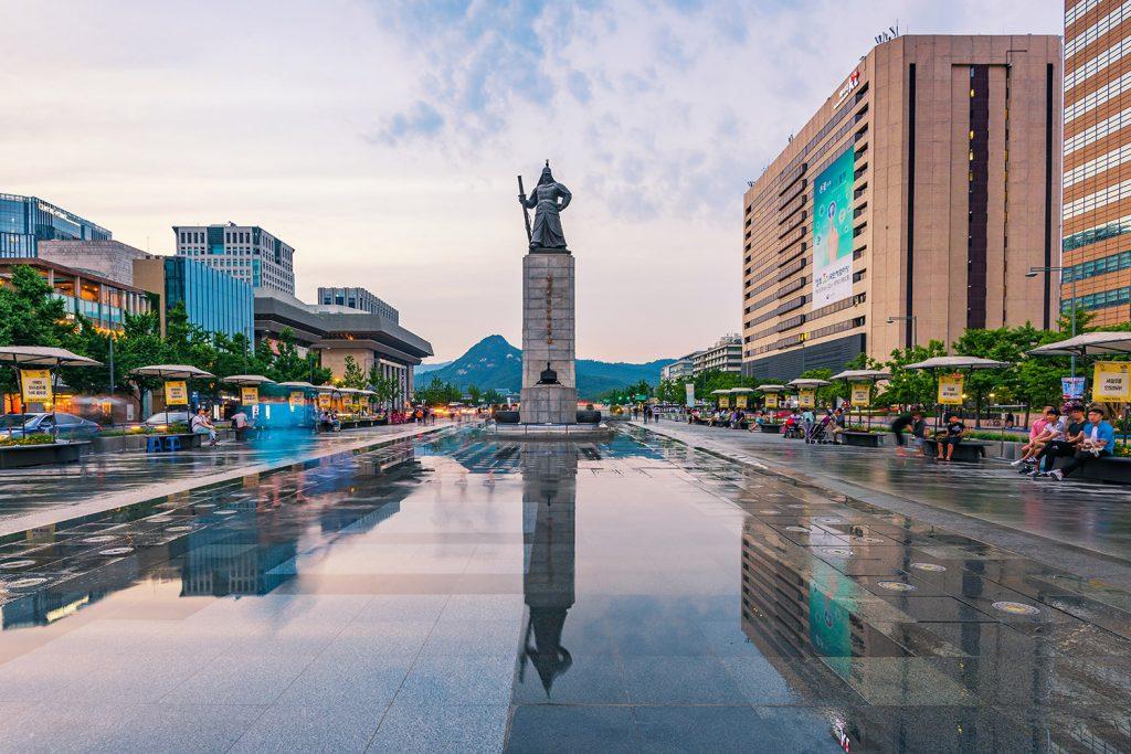 Suối Cheonggyecheon - Vẻ đẹp suối nhân tạo giữa lòng Seoul - ảnh 4