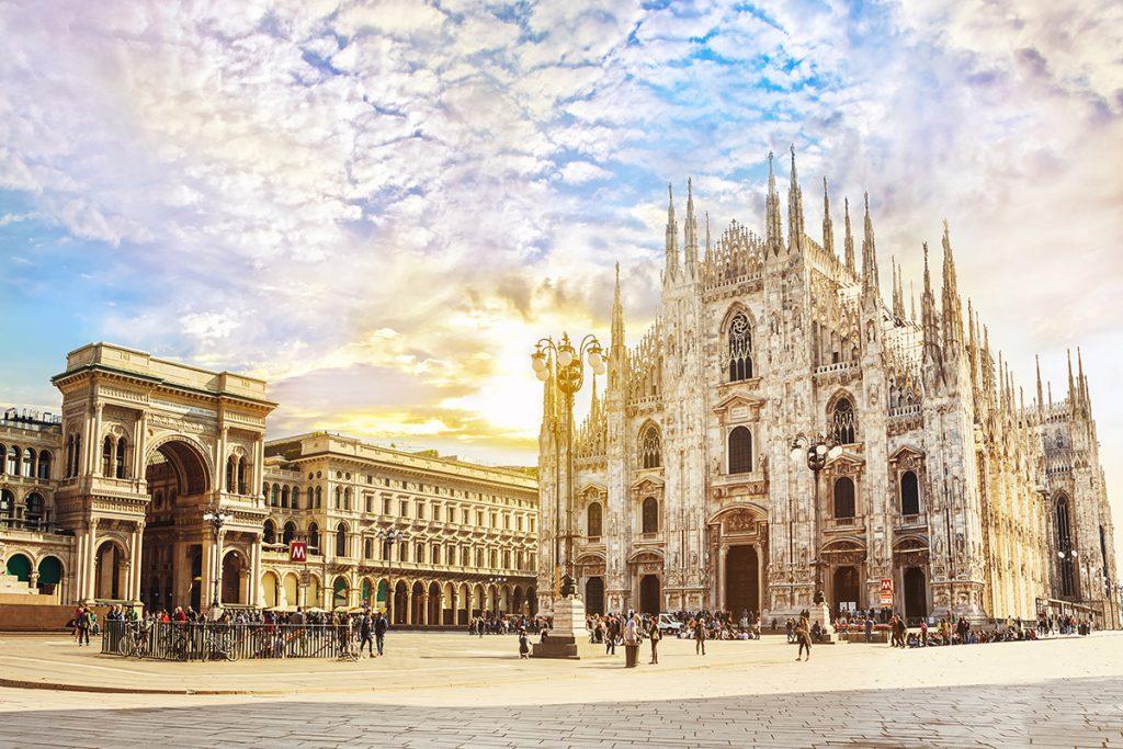 Chiêm ngưỡng những quảng trường nổi tiếng nhất tại châu Âu - ảnh 12