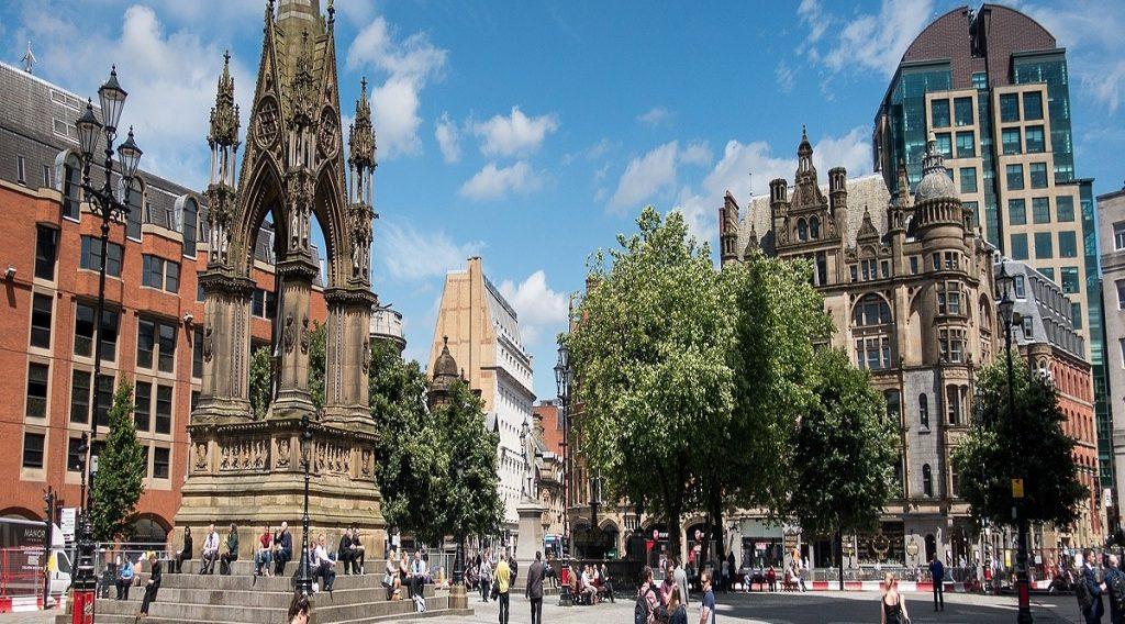 Chiêm ngưỡng những quảng trường nổi tiếng nhất tại châu Âu - ảnh 3