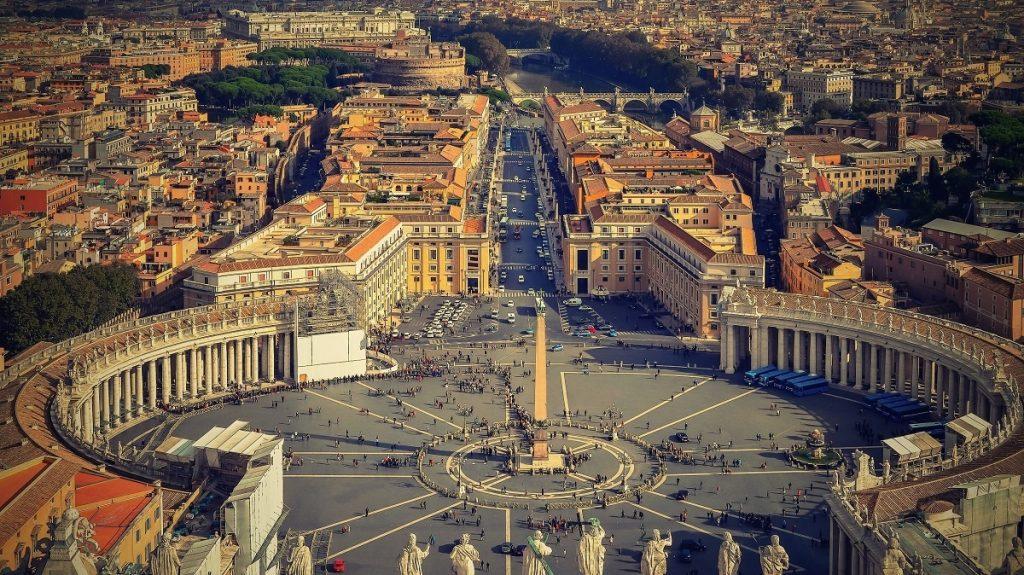 Chiêm ngưỡng những quảng trường nổi tiếng nhất tại châu Âu - ảnh 6