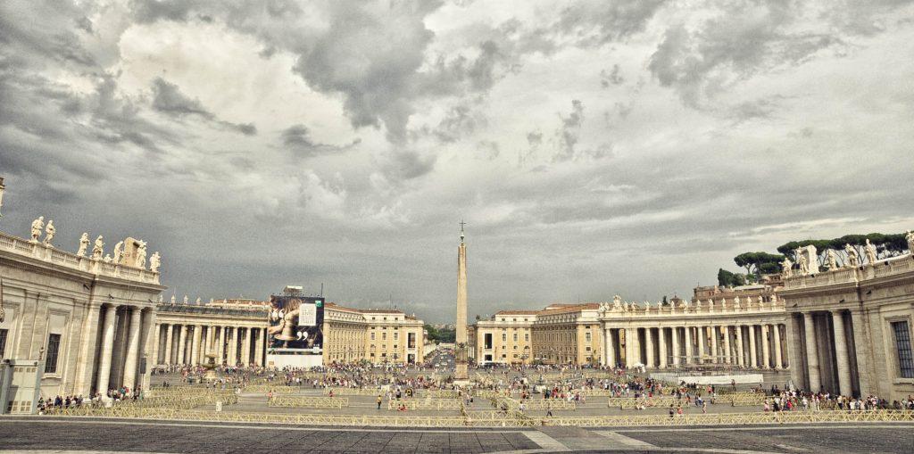 Chiêm ngưỡng những quảng trường nổi tiếng nhất tại châu Âu - ảnh 7