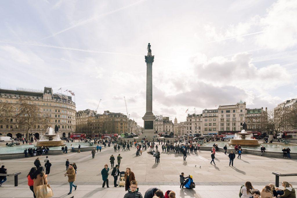 Chiêm ngưỡng những quảng trường nổi tiếng nhất tại châu Âu - ảnh 8